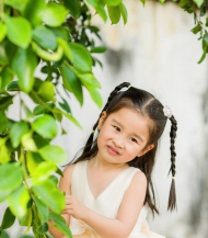 妍宝,小童年。